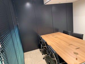 ブラインド使用時の会議室外観